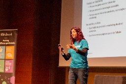 Episodio 38: De marketing y contenidos con Clara Ávila